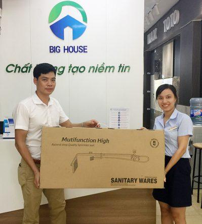 Trao giải sen cây tại Showroom Big House số 99 Hoàng Quốc Việt