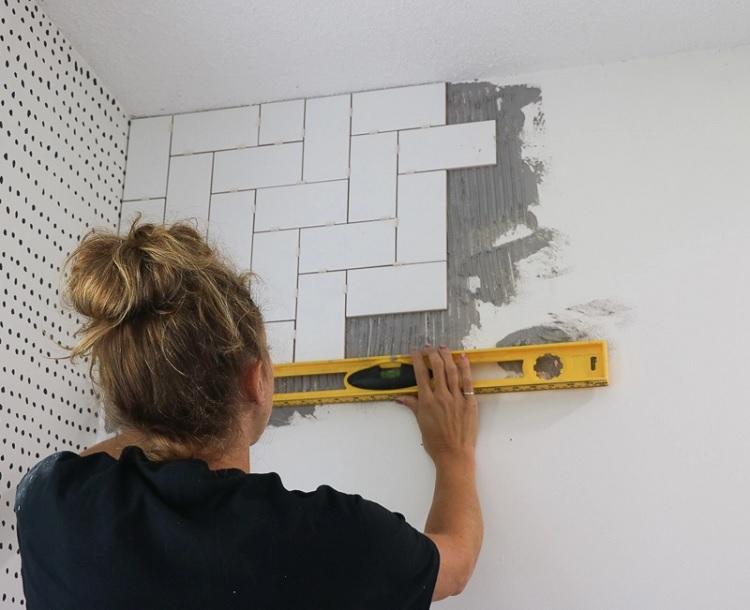 cách ốp gạch tường nhà vệ sinh 3