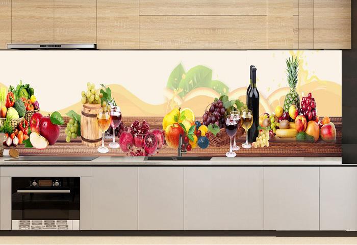 Gạch tranh ốp tường hình hoa quả, tiệc rượu mang đến một vẻ đẹp mới lạ, ấn tượng cho không gian nấu nướng.