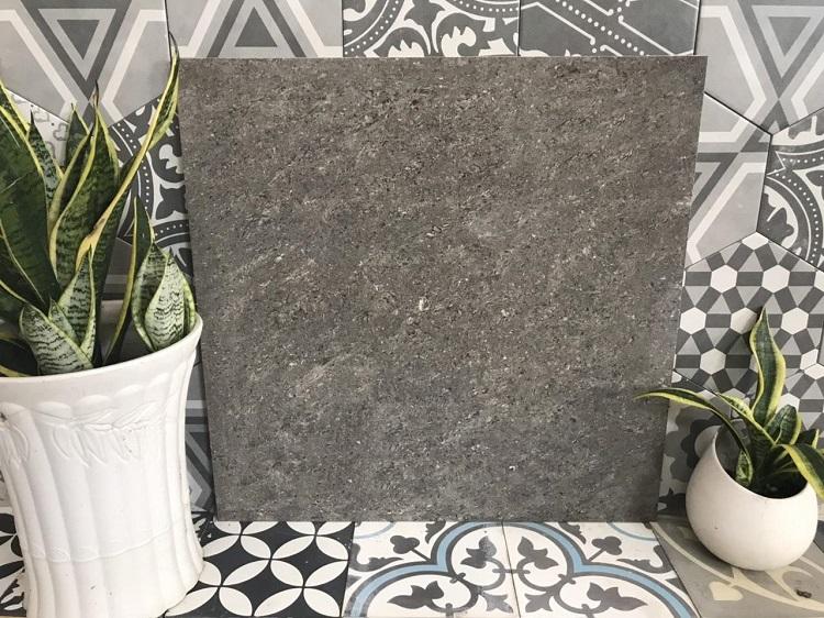 Gạch Pancera được làm chủ yếu từ bột đá tinh khiết, độ hút nước thấp, chống trơn trượt, trầy xước hiệu quả