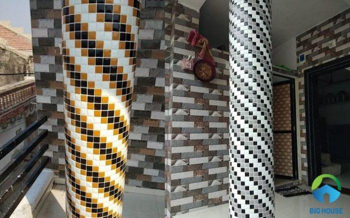 mẫu gạch mosaic được sử dụng ốp cột tròn