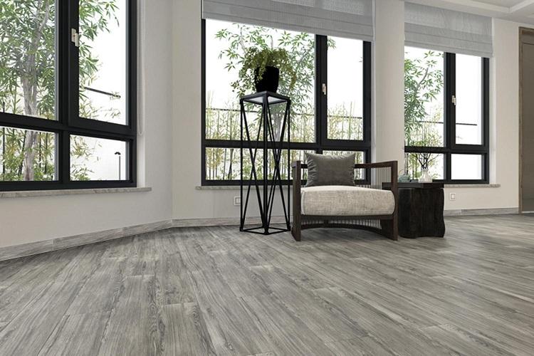 GT 15605 cũng là một mẫu gạch giả gỗ ốp viền chân tường đẹp hiện nay. Gạch có tông màu xám đẹp hiện đại, thu hút