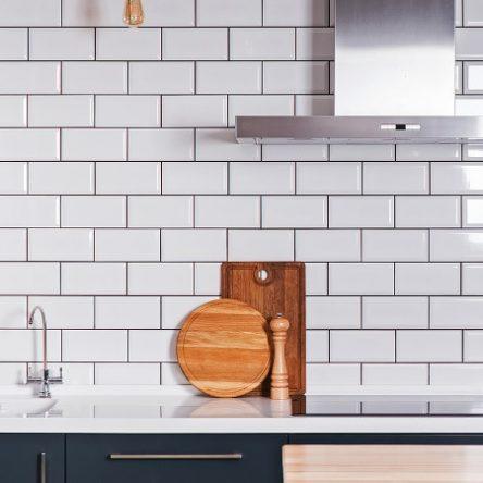 Cách chọn gạch ốp bếp đẹp hợp phong cách, xu hướng 2021