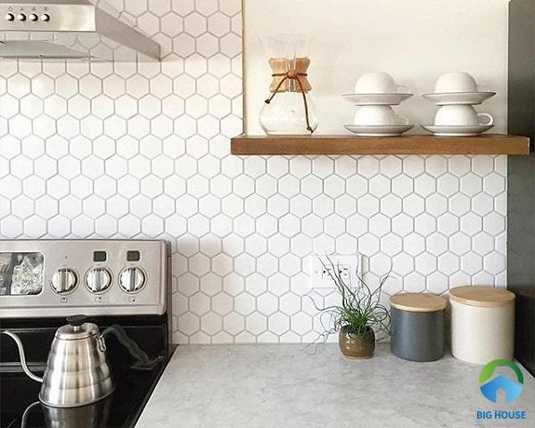 Gạch ốp bếp màu trắng lục giác đơn giản