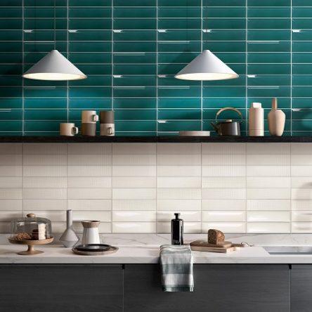 Gạch ốp bếp màu xanh đẹp chuẩn xu hướng 2021 kèm báo giá
